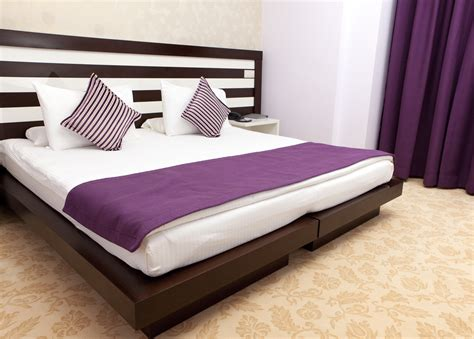 simple purple bedroom purple bedroom pictures purple bedroom ideas