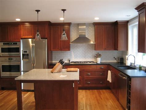 Cherry Cabinets Kitchen Pictures by Cherry Kitchen Cabinets Buying Guide