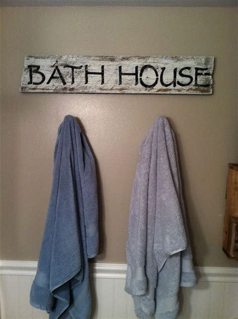 barnwood bathroom ideas 25 best ideas about primitive bathroom decor on pinterest