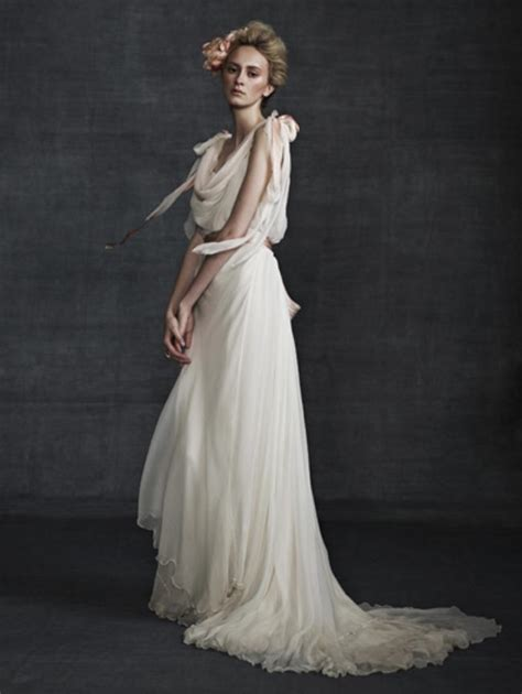 Fab Fashion Blogs Friday Couture In The City 19 by Friday S Fab Finds Samuelle Couture Wedding Dresses Weddbook