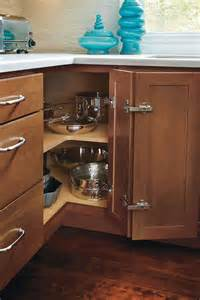 Exclusive Home Interiors Base Easy Reach Cabinet Homecrest Cabinetry
