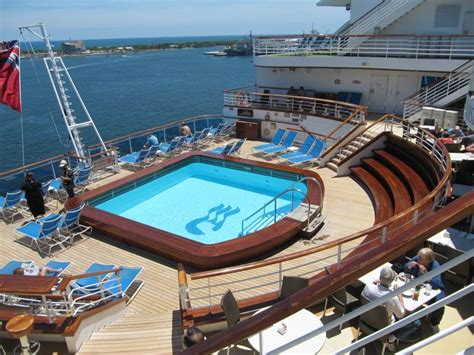 emerald casino boat ride 27 best emerald cruise ship images on pinterest cruise
