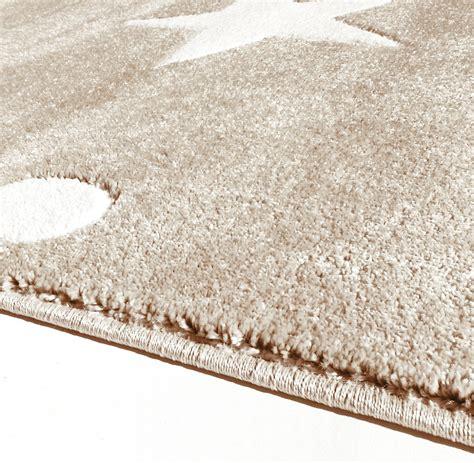 schwarzer läufer teppich teppich mit punkten teppich mit punkten la finesse