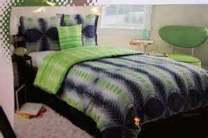connor xl geometric reversible comforter set