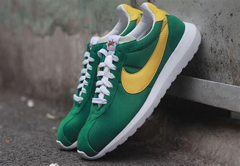 Sneakers Casual Nike Roshe One Retro Crimson Original nike roshe ld 1000 green yellow kicks for the streets