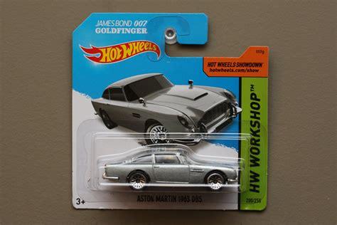 Hotwheels Bond Paket 2 Pcs wheels 2014 hw workshop aston martin 1963 db5 silver bond 007 goldfinger