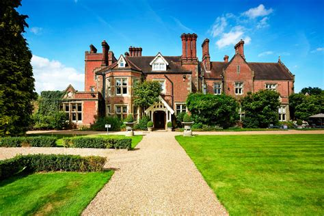 alexander house one night deluxe spa escape for two with dinner at alexander house hotel sunday to