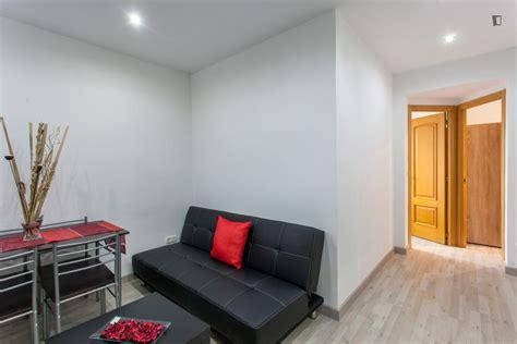 alquiler de apartamentos en madrid centro apartamento tipo piso reformado todo a estrenar muy bien comunicado cerca