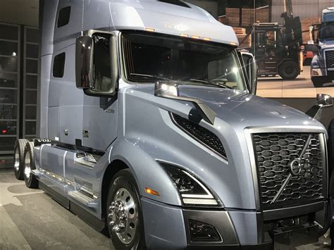 volvo trucks america volvo launches new vnl long haul tractor modern