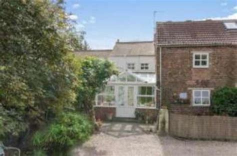 3 bedroom cottage for sale in bawtry road bessacarr
