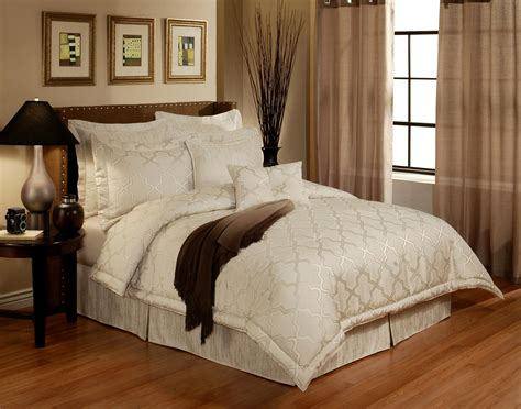 white luxury bedding en vogue maze pearl off white by austin horn luxury