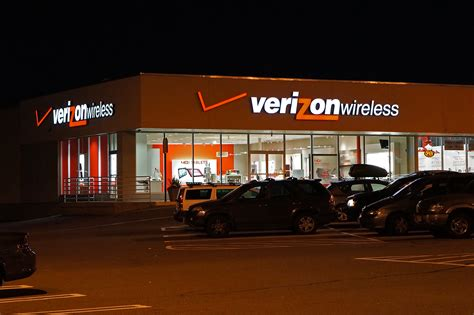 store wi file verizon wireless store jpg wikimedia commons