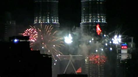 malaysia new year song 2014 new year fireworks 2014 kuala lumpur malaysia