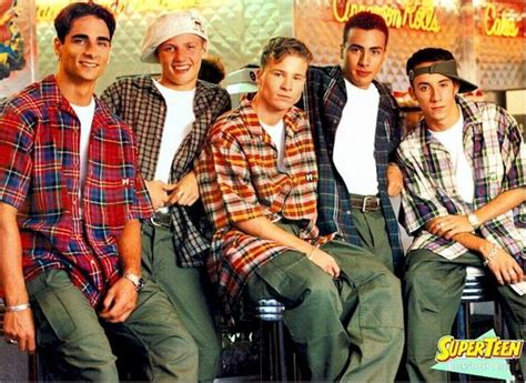 32 Regrettable '90s Guys Fashion Trends