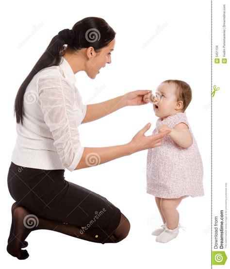 Mama Caliente Mama Ensea A Su Hija De 12 Aos Como | una madre ense 241 a a su hija a hablar imagenes de archivo
