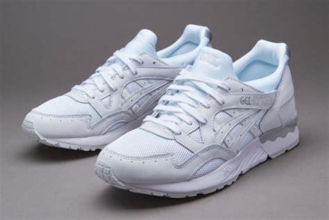 Sepatu Asic Gel Lyte 3 sepatu sneakers asics gel lyte v lights out pack white