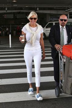 what brand of white jeans does yolanda foster wear yolanda foster skinny jeans skinny jeans white jeans