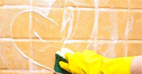 como limpiar los azulejos del bano mercaceramica