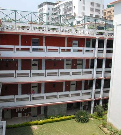 fees structure and courses of jd birla institute, kolkata