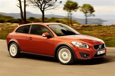 volvo recalls 2010 2011 c30 s40 and v50 for faulty shift