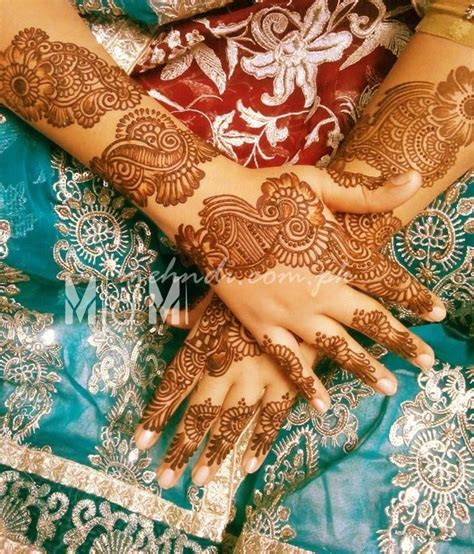 beautiful hands with mehndi and bangles easy hand henna