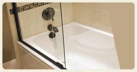 can you paint your bathtub best 25 bathtub liners ideas on pinterest bathtub remodel tub shower doors and tub