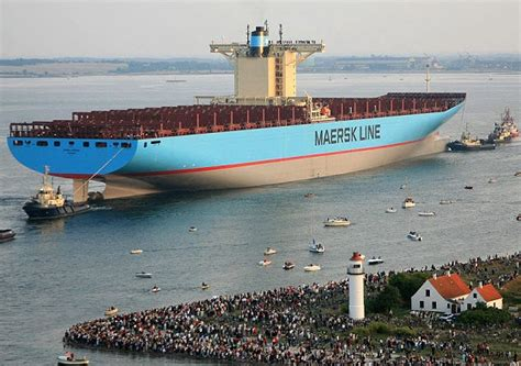 maersk triple e container ship