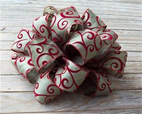 how to make bows for top of christmas tree 17 best ideas about bows on diy decorations decorations and diy
