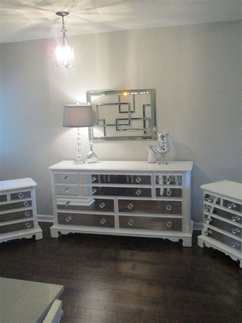 Cheap Mirrored Bedroom Furniture by Mirrored Dresser And 2 Matching Nightstands White