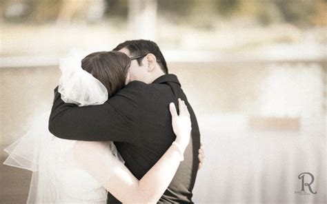 list of 10 most romantic bride and groom kiss photos on