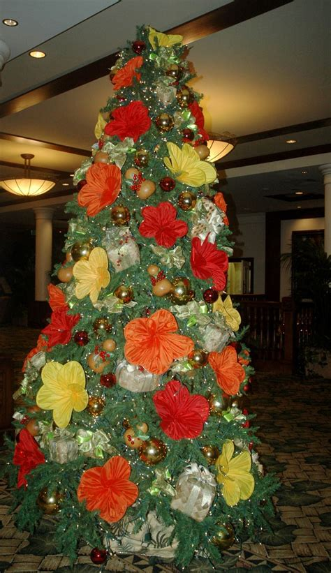 christmas at the outrigger hotel in hawaii trees