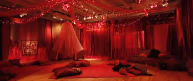 Traditional Bedroom Ideas red tent filmmaker