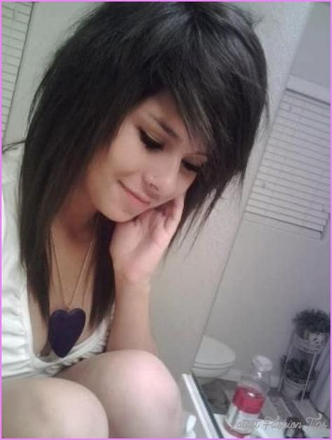 emo hairstyles without bangs emo long haircuts with side bangs latestfashiontips com