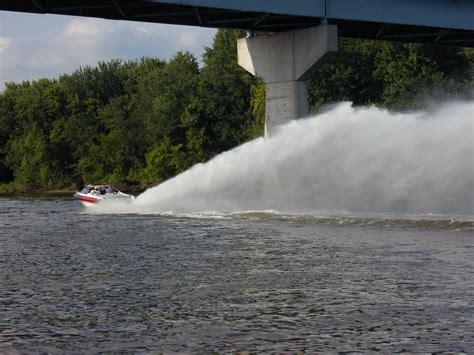 jet boat speed jet boat jet o vator rooster tail single engine speed