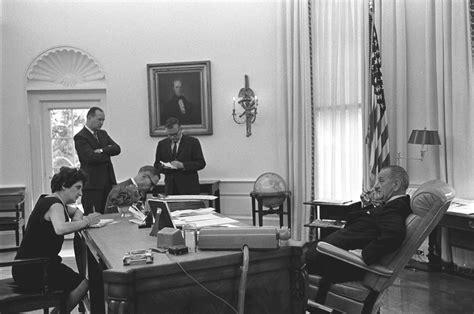 President In Office by File President Johnson Oval Office 003 Jpg Wikimedia Commons