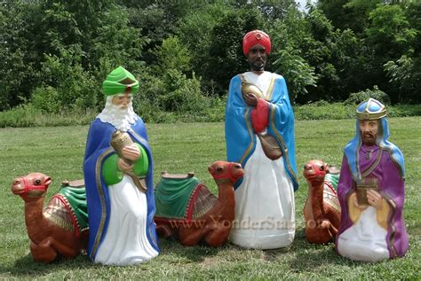 outside light up nativity scene life size lighted outdoor nativity wisemen w camels