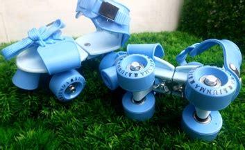 Sepatu Roda Lipat detail produk roda empat jadul biru toko bunda