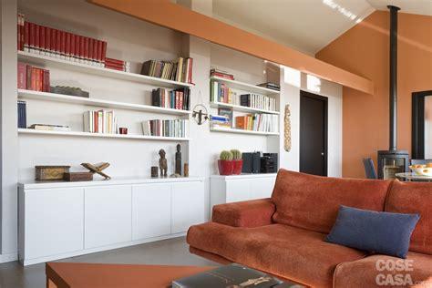 come alzare un tavolo casa in mansarda con le soluzioni giuste per gli spazi