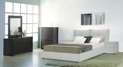 Light Bedroom Set Excite Modern 3 Pc Bedroom Set In Light Grey Leather Bed And 2 Nightstands Beverly