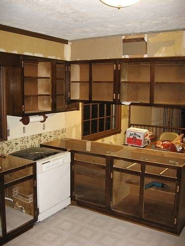how to remove a kitchen cabinet removing kitchen cabinets