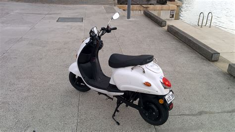 scooters australia hands on fonzarelli 125 electric scooter gizmodo australia