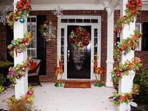 awesome enrtry way with front porch christmas decorations
