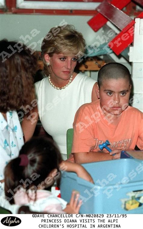 princess diana s children princess diana argentina visiting the alpi childrens