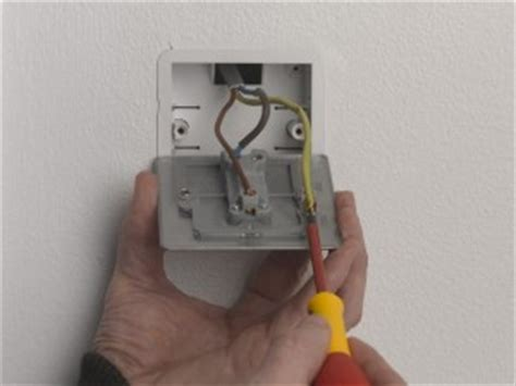 changing a light switch with 3 wires k