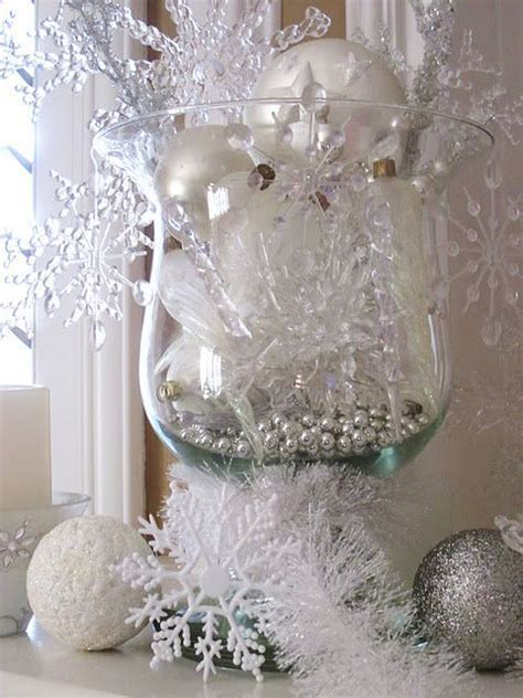 25  unique Snowflake centerpieces ideas on Pinterest   Winter decorations, Snowflake party and