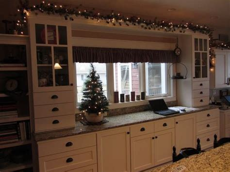Garland Above Kitchen Cabinets by 1000 Images About Above Cabinet Ideas On