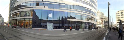 apple deutschland apple s new store in dusseldorf germany opens on 14th