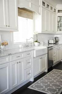 White Kitchen Cabinet Hardware Ideas by Best 25 White Kitchen Cabinets Ideas On