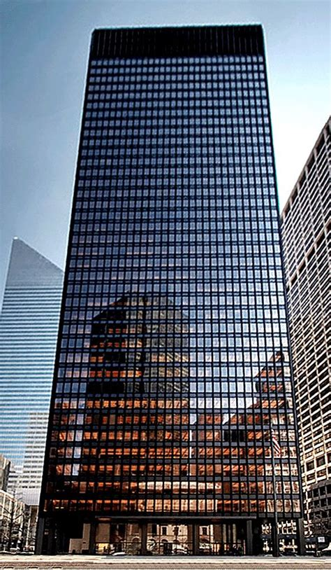 ludwig mies van der rohe the seagram building new york seagram building 375 park avenue new york city by ludwig
