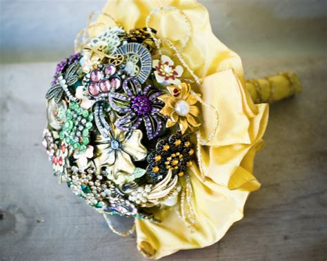Handmade Brooch Bouquet - dishfunctional designs vintage costume jewelry upcycled